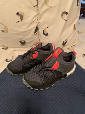 Adidas trail response boost men 8.5 women 10 for Sale in Cleveland, OH