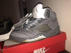 Wolf grey 5s sz9.5 for Sale in Pittsburgh, PA