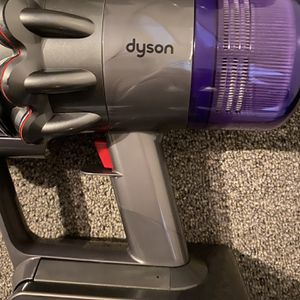 Dyson V11 torque drive vacuum cleaner for Sale in Patchogue, NY