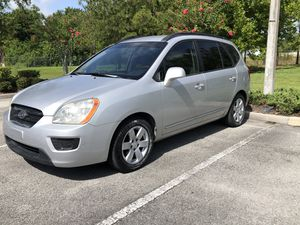 Kia rondo 2008 for Sale in Kissimmee, FL