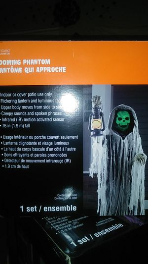 Looming phantom. life size moving Halloween decoration for Sale in Stockton, CA