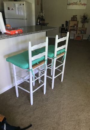 Wooden bar stools (no cushion) for Sale in San Bruno, CA