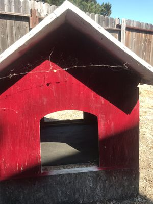 Dog house FREE for Sale in Suisun City, CA