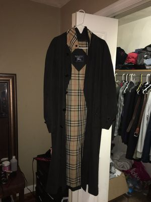 Burberry Vintage Trench Coat Black for Sale in Cambridge, MA