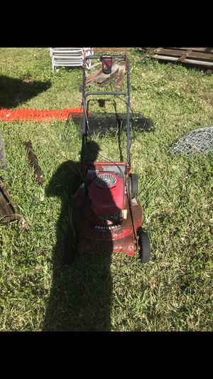 Craftsman self propelled 190cc for Sale in Miami, FL