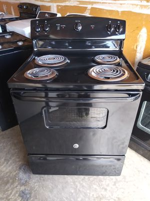 FREE DELIVERY / GE (electric) STOVE for Sale in Las Vegas, NV