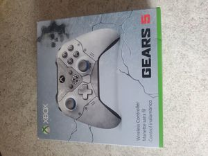 Gears of war 5 Kait Diaz xbox controller for Sale in Conklin, NY