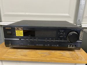 One Onkyo HT-R540 7.1 Channel Surround Sound Receiver for Sale in Livermore, CA
