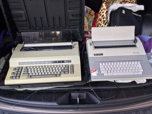 Vintage typewriter for Sale in Silver Spring, MD
