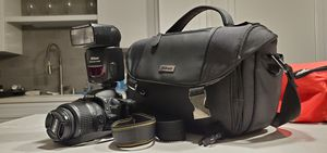 Nikon d3100 with flash and bag for Sale in Anaheim, CA