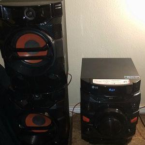 LG CM4360 230 watt Hi-Fi audio system 30 Watts, Bluetooth Connectivity auto DJ and DJ Sharing, USB Direct Recording, CD Player for Sale in Lemon Grove, CA