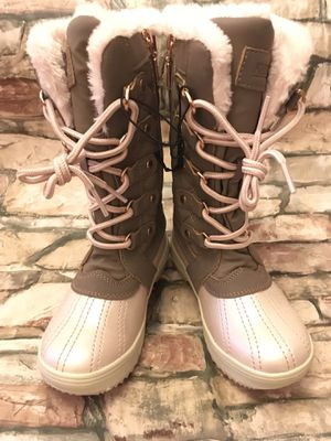 KHOMBU Girl's Size 12 Pink Khaki Faux Fur Winter Boots for Sale in Baltimore, MD