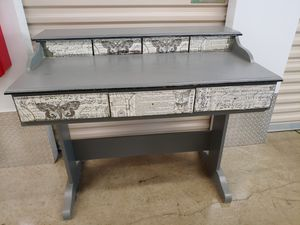Secretary Desk for Sale in Lithonia, GA