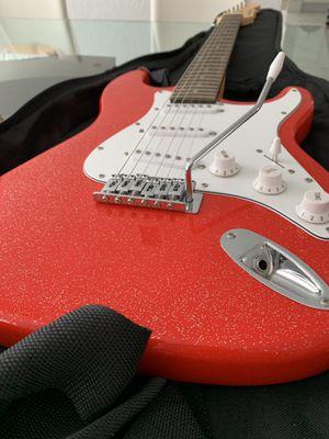 Electric Guitar. Guitarra eléctrica. Used. Usada almost new, casi nueva. for Sale in Miami, FL