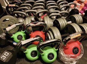 Green rubberized 15 lb kettlebell for Sale in Davie, FL