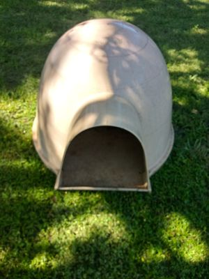 DOGLO GOOD CONDITION for Sale in Haltom City, TX