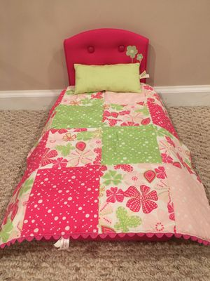American Girl Bloom Bed & Bedding for 18in doll for Sale in Woodridge, IL