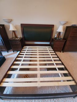 Solid Bed Frame, Queen. for Sale in Washougal,  WA