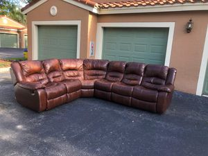 CHEERS FURNITURE BROWN LEATHER SECTIONAL RECLINER COUCH - GOOD CONDITION for Sale in Pompano Beach, FL