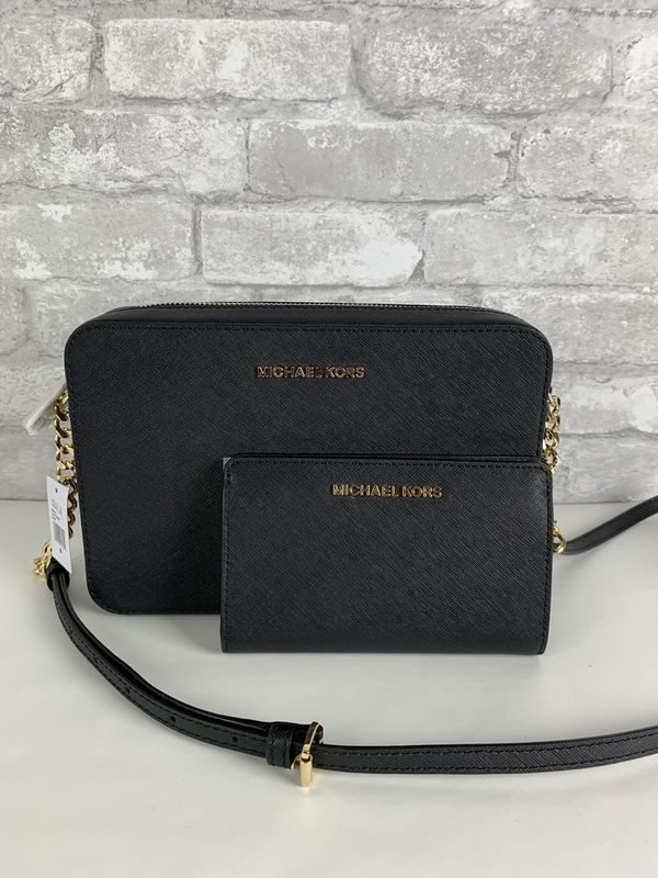 923d9002321ae Michael Kors LG EW Crossbody And Wallet for Sale in Arlington