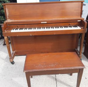 Solid Wood Baldwin ( Hamilton Series ) Piano for Sale in Tampa, FL