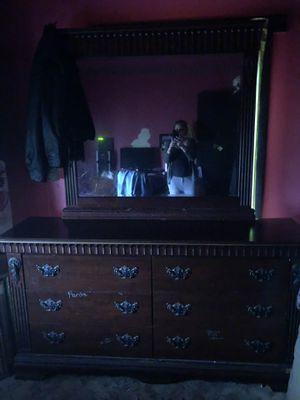 Vanity Dresser for Sale in Shawneetown, IL