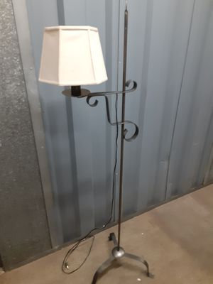 Vintage floor lamp for Sale in Silver Spring, MD