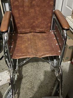 Heavy Duty Everest And Jennings Wheelchair for Sale in Elk Grove,  CA
