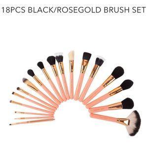 Makeup Brush Set 18 Pcs for Sale in Aurora, CO