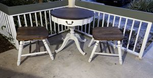 Antique coffee table with two chairs for Sale in Tamarac, FL