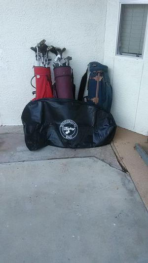 Golf clubs and bags take all for 100 for Sale in Mesa, AZ