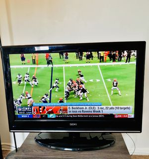 32 inch TV for Sale in Allentown, PA