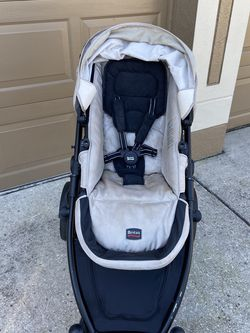Britax B-Ready Baby Stroller With Stroller Organizer Rain Cover And Car Seat Adapter for Sale in Wesley Chapel,  FL