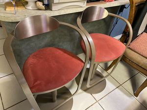 Stools bar rotation and presión iron for Sale in Davie, FL
