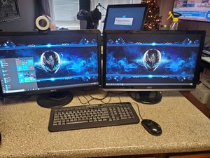 Alienware gaming pc with two 24 inch monitors for Sale in Cedar Hill, TX