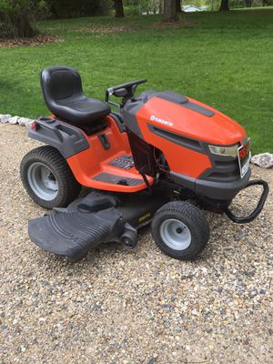 Husqvarna riding Mower 26 hp 54 inch cut just serviced $1250 for Sale in Varna, IL