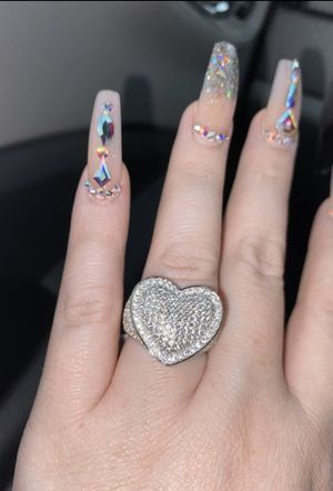 Size 8. Brand new Absolutely gorgeous heart ring for Sale in San Antonio, TX
