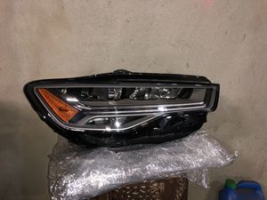 OEM AUDI LED HEADLIGHT (RIGHT) for Sale in North Hollywood, CA