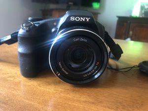 Sony cyber-shot DSC-HX200V 18.2 MP for Sale in Statesville, NC