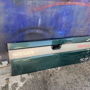 Nissan Frontier Tailgate Door for Sale in Los Angeles, CA