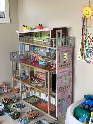 Kidcraft soho dollhouse only for Sale in Kirkland, WA