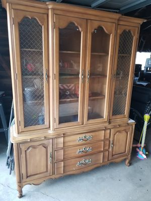 Antique China cabinet for Sale in Clinton Township, MI