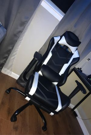 Gaming chair for Sale in Wheeling, IL