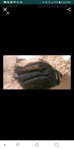 Muzzino softball glove for Sale in Tampa, FL