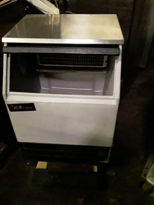 Ice maker for Sale in Chicago, IL