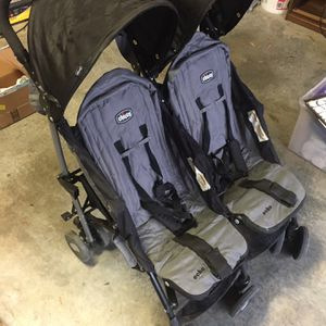 Chicco Double Stroller for Sale in Franklin, TN