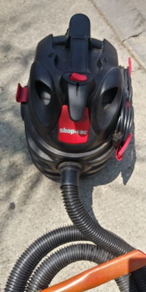 5 gallon shop vac with hose for Sale in Downey, CA