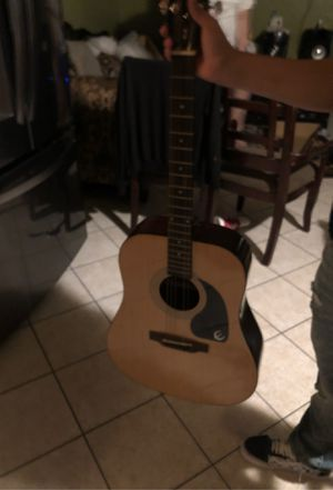 6 string guitar for Sale in Compton, CA