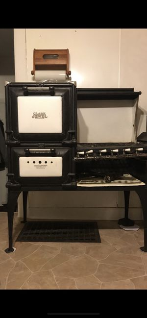Clark Jewel Antique Stove for Sale in Rock Island, IL