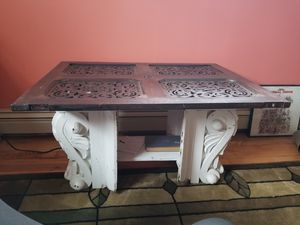 Coffee table for Sale in Hicksville, NY